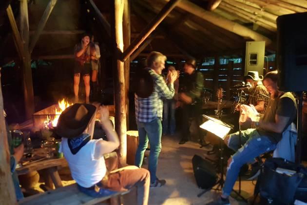 Saga Event Camp - Paviljongen på tunet