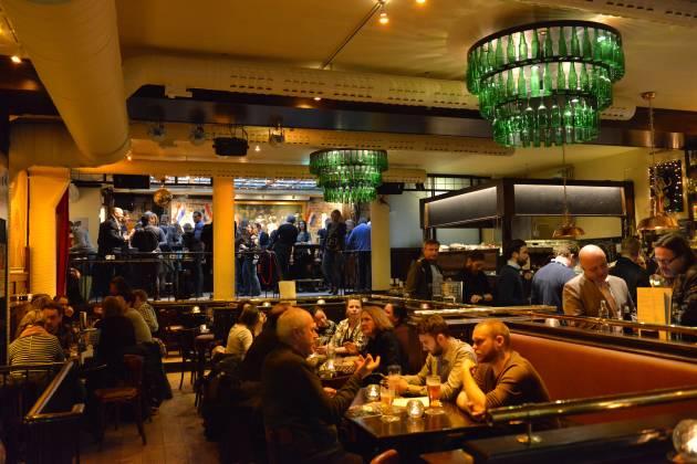 Cafe Amsterdam - Hele lokalet