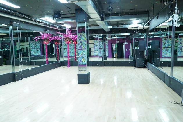 Pon De FLO - Studio Space