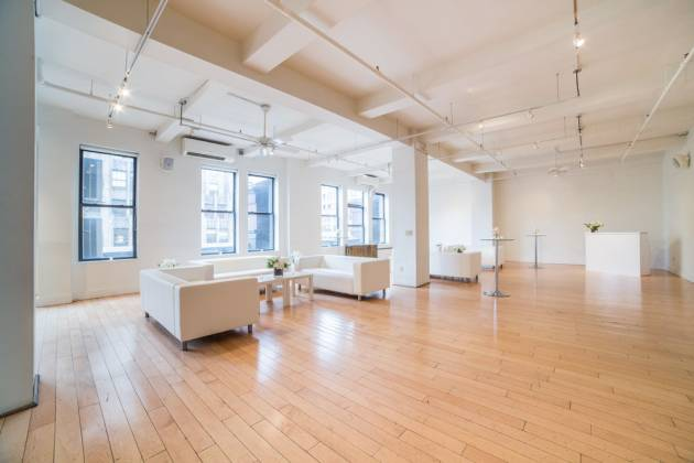 Studio Arte - White Loft Space