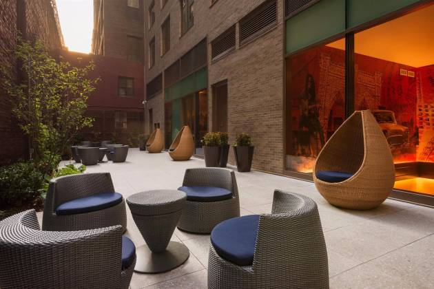 Homewood Suites by Hilton - Lobby Backyard Patio