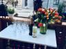 Albin & Cecilies kafé - Velkomstdrikke kan nytes i vår herlige uteservering