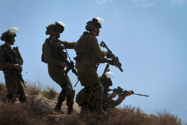 At least four Hamas terrorists killed, two Israeli soldiers wounded in clashes during West Bank arrest raids