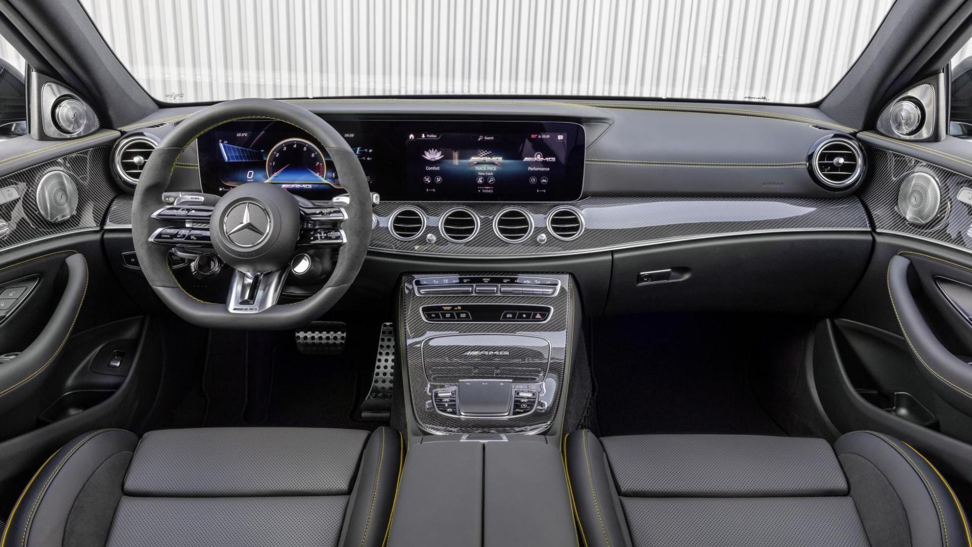 dashboard-mercedes-amg-e63-s-facelift.jpg