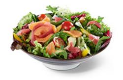 Saisonale Salatmischung mit Thunfisch und Lachs Sashimi