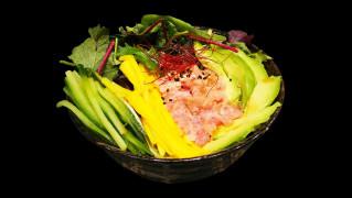 315 - Großer Thunfisch Tatar Salat