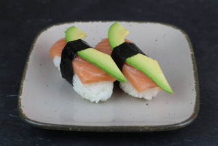 Nigiri Sake Avocado