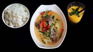 M14 - Matsumoto - Thai Curry + Mango Lassi