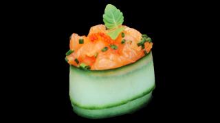 334a - Guncan Sushi mit Lachs Tatar (Stk.)
