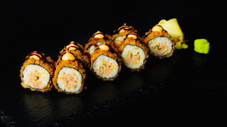 Crispy Thunfisch Maki Rolle