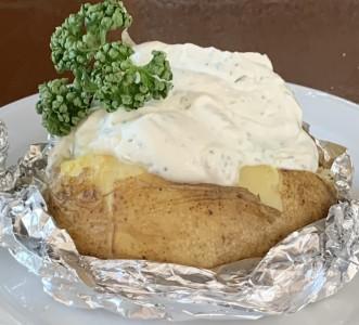 Ofenkartoffel mit Kräuterquark