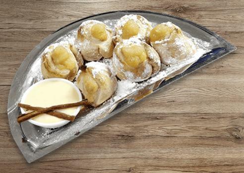 Apfel-Zimt Rolls mit Vanillesoßen-Dip