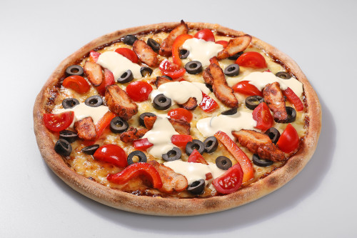 Pizza Olivia Chicken + Tzaziki Dip