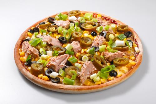 Pizza Olivia Tuna + Tzaziki Dip