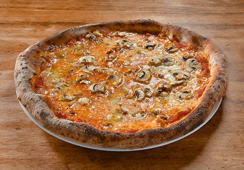 Pizza mit Champignons