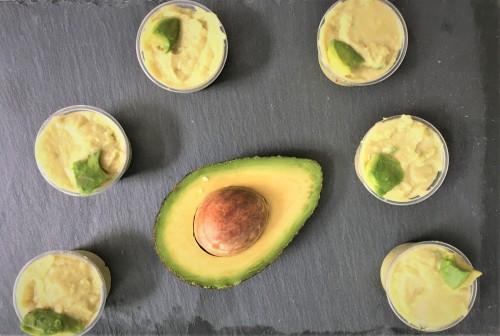 Hummus mit Avocado (normal)