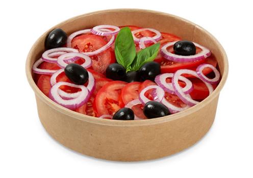 Tomatensalat mit Zwiebelringe
