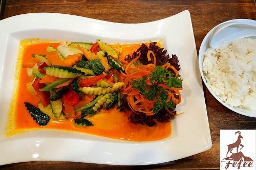 30 - Veggie Curry (leicht scharf)