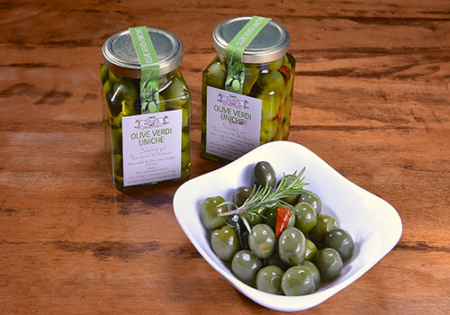 Oliven in Öl – scharf