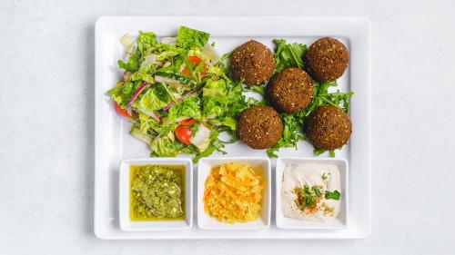 Falafel als Hauptgericht