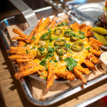 Sweet Chili-Cheese Fries