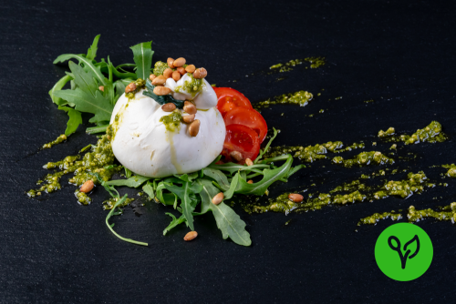 Burrata su insalata e pesto ligure (vegetarisch)