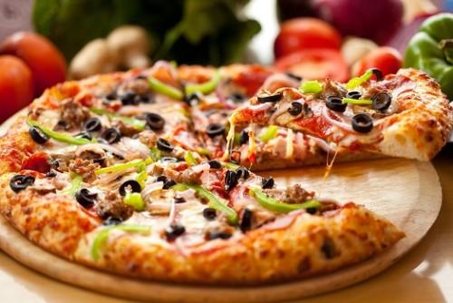 1 Pizza & 1 Eis nach Wahl