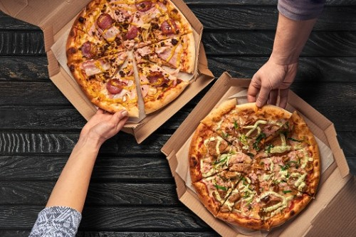 2 Pizzen nach Wahl