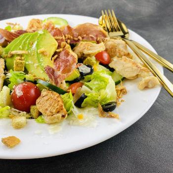 Lieferservice Essen bestellen & liefern lassen von Salathelden  Chicken Caesar Supreme