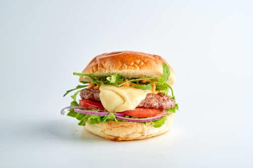 Der Sizilianer-Mozzarella Burger