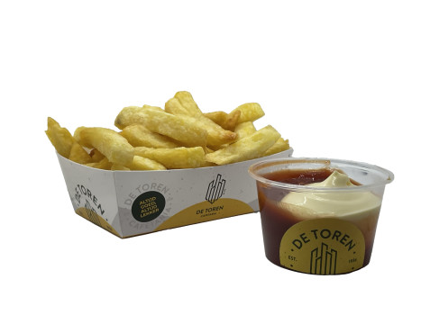 Kleine friet mayonaise ketchup