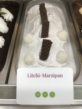 Litchi-Marzipan Eis