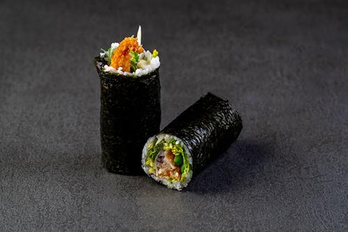Sushi Burrito mit paniertem Hühnchen