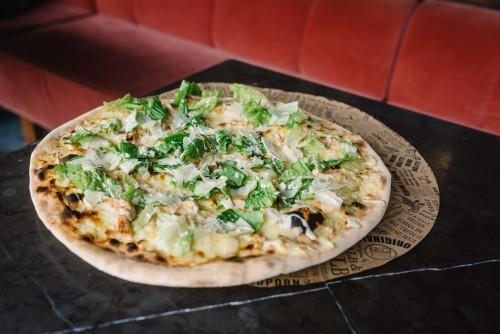 Pizza Caesare e Pollo (Pizza Bianca)
