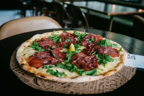 Pizza Bresaola (Pizza Bianca)