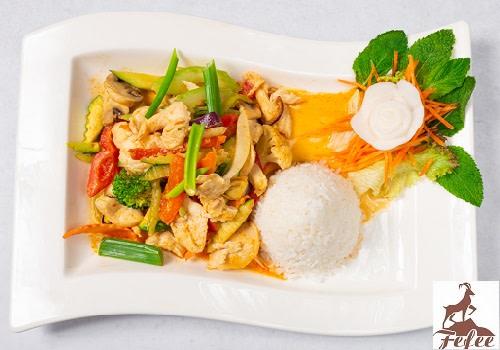 40 - Chicken Curry (leicht scharf)