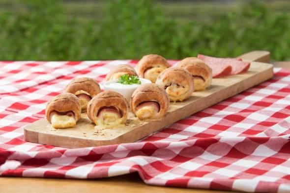 Pizzabrötchen Salami/Käse