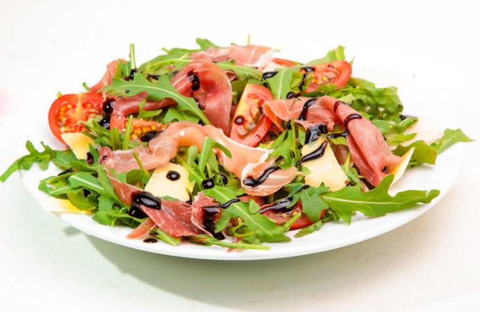 Der Sommerfrische Salat