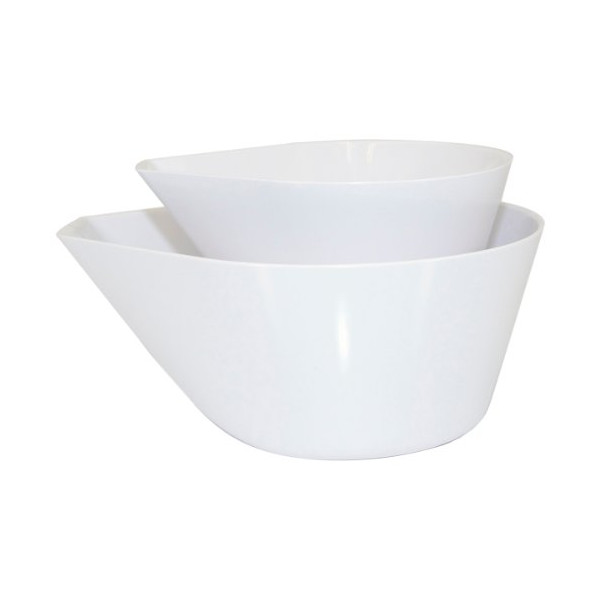 Set of 2 white mix and measure bowls