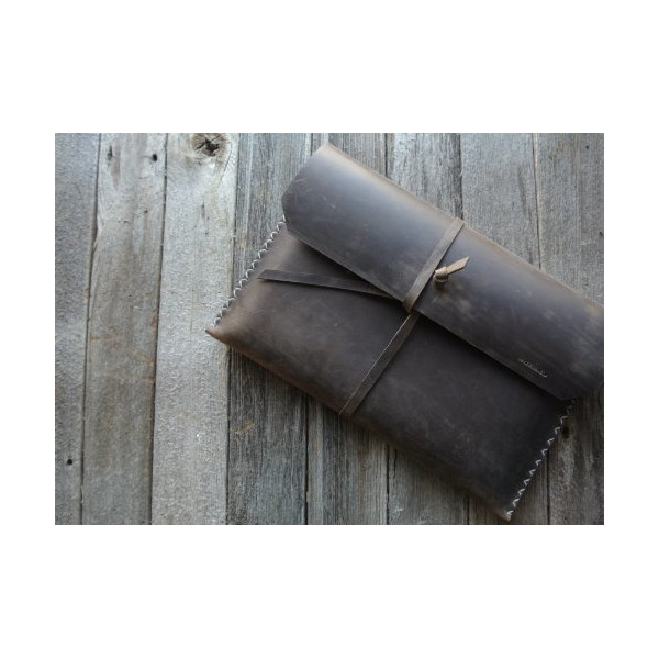 "No.19 | Handcrafted Vintage Brown Leather 13"" Laptop Case"