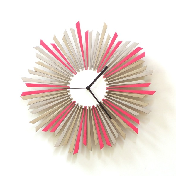 The star - large stylish wooden wall clock in silver and pink