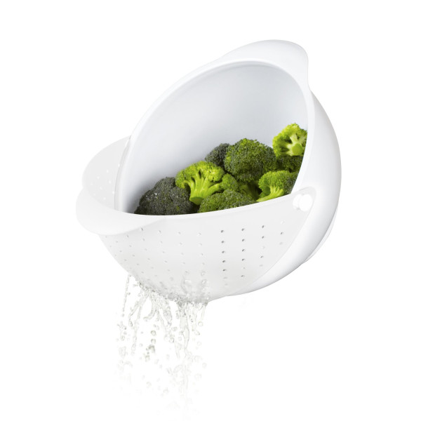 Umbra Rinse Bowl and Strainer, White