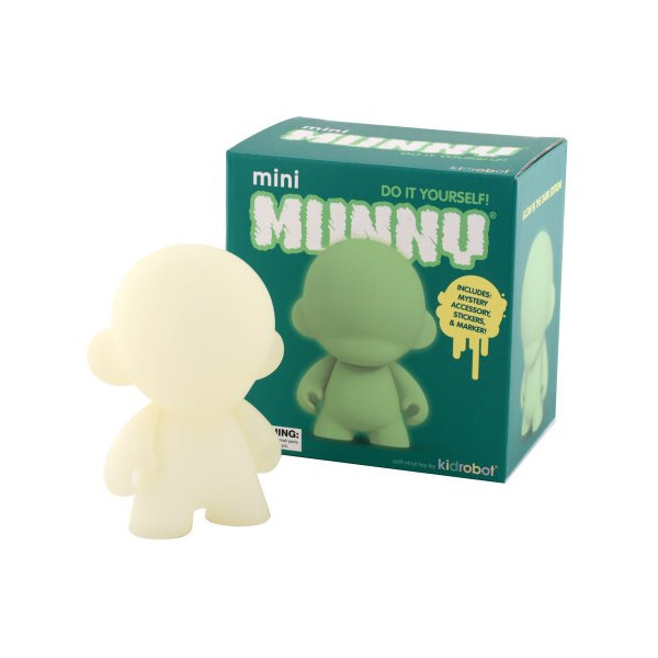Kidrobot Mini Munny Glow In The Dark Diy Vinyl Art Figure