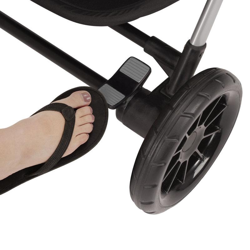 Pivot Xpand™ Modular Travel System With SafeMax Infant Car Seat (Stallion) Lifestyle Photo