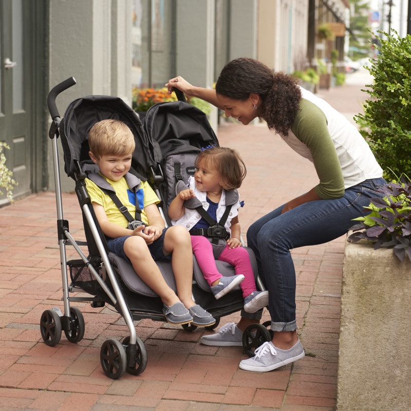 Minno Twin™ Double Stroller (Glenbarr Grey) Lifestyle Photo