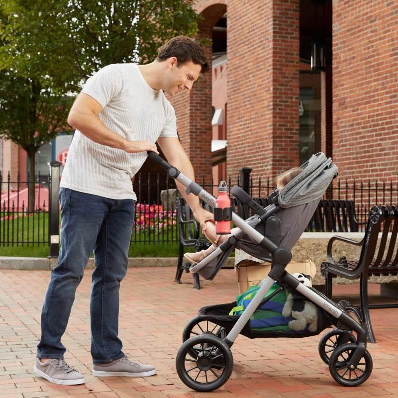 Pivot Xpand™ Modular Stroller (Stallion) Lifestyle Photo