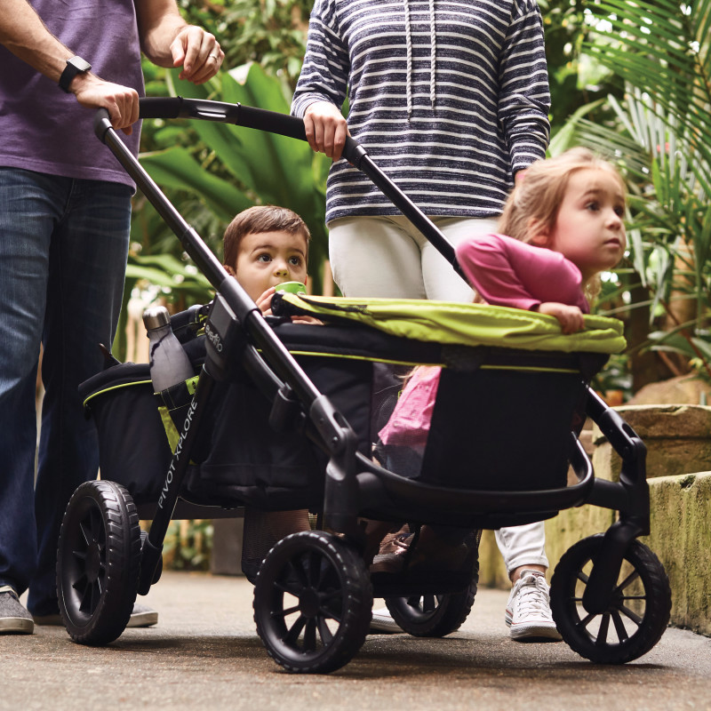 Pivot Xplore™All-Terrain Stroller Wagon Lifestyle Photo