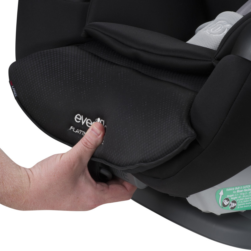 Platinum SafeMax™ All-In-One Convertible Car Seat (Shiloh) Lifestyle Photo
