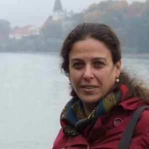Sharon Einav