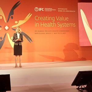 Elizabeth Teisberg speaking about VBHC at the IFC congress in Barcelona
